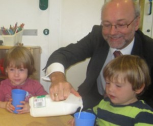 Alex MP helps children celebrate World School Milk Day