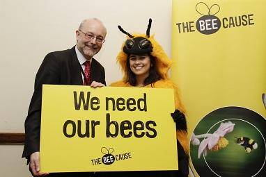 Alex creates buzz about bee decline