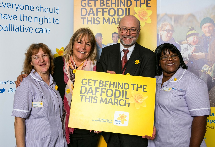 Alex and Linda Robson get behind the daffodil this March