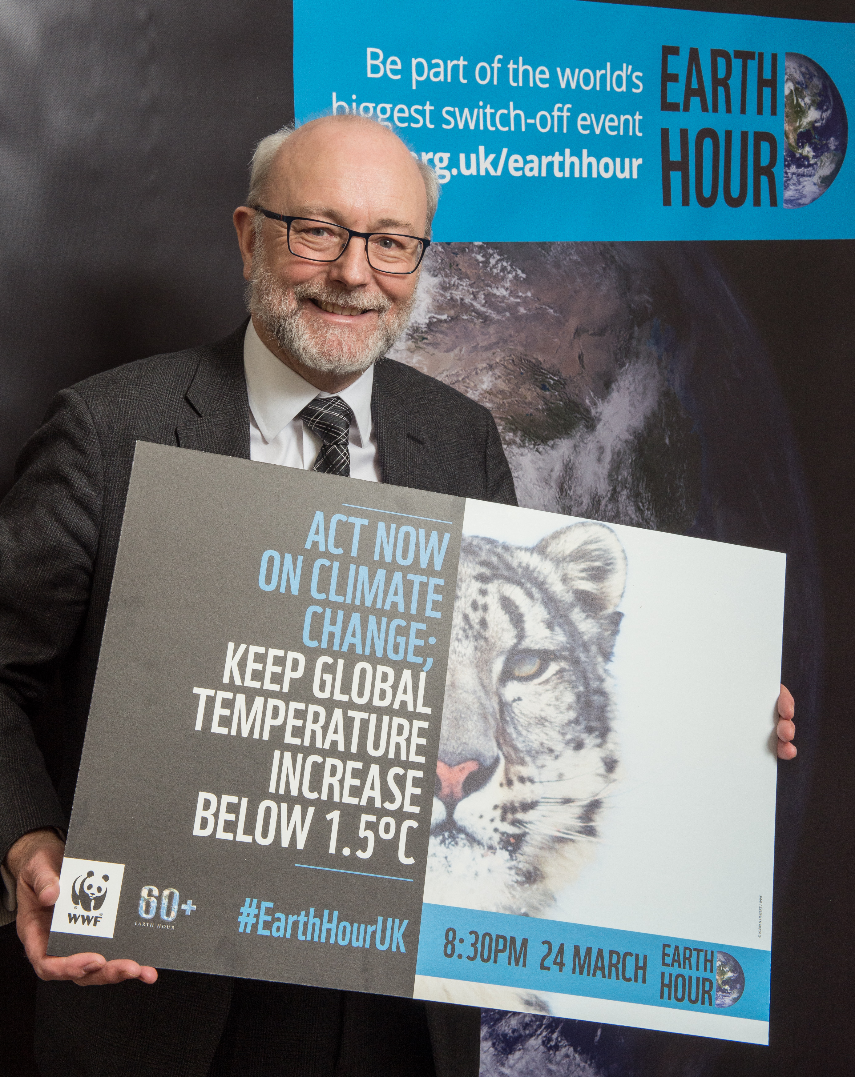 Alex pledges support for WWF Earth Hour