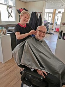 Alex praises community spirit of local hairdressers